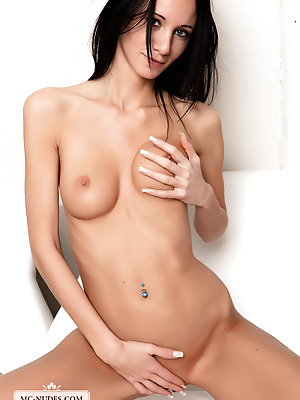MC-Nudes  Eveline  Brunettes, Beautiful, Erotic, Softcore, Teens, Young, Natural, Solo