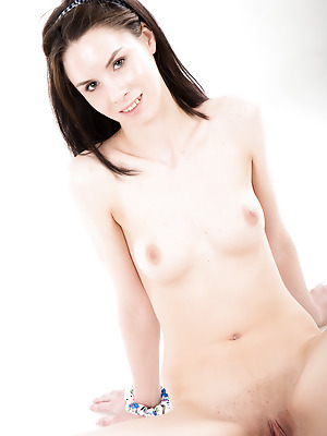 Showy Beauty  Blue Angel  Beautiful, Erotic, Softcore, Sport, Solo